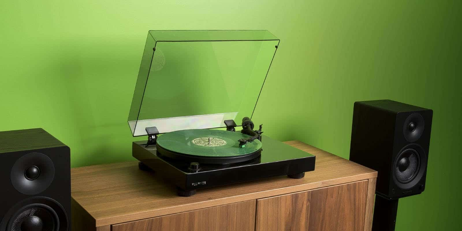 best turntable for under 300 featured image